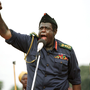 Forest Whitaker  Az utolsó skót király című filmben Idi Amin ugandai diktátort alakítja, és megtanult szuahéliül, hogy improvizálni is tudjon, ha arra van szükség.