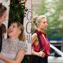 2009-ben a Minden kút Rómába vezet forgatásán szerettek egymásba, és egy évvel később már gyűrűt is cseréltek, igaz, házasodni egyáltalán nem akarnak. Kristen Bell és Dax Shephard első gyermeke, Lincoln 2013 márciusában született.