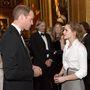 Vilmos herceg és Emma Watson beszélgetnek.