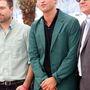 Robert Pattinson a locsolkodóöltönyében érkezett