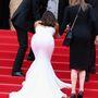 Eva Longoria jó nagyot botlott a Saint Laurent című film premierjén