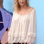 Tavaly változatos ruhákban jelent meg a rendezvényeken a színésznő. Például ebben a ráhúzott medúzában.