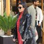 Ő oitt Kim Kardashian, csak úgy civilben Prágában. Sehol egy mell, sehol egy pucsítás, akár a Symbolba is indulhatna Hajdú Péterékkel bulizni.