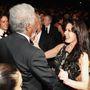 Egy kis közjáték: Morgan Freeman így ölelte meg Catherine Zeta-Jonest