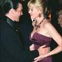 Banderas láthatóan imádja asszonyát, a kezét is alig tudja levenni róla. Hiába,ilyen egy mediterrán szerető.
