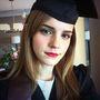Emma Watson nemrég diplomázott le a Brown Egyetemen angol szakon, pont olyan szorgalmas tanulóként, mint az általa alakított Hermione Granger.