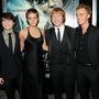 A Harry Potter-filmek két másik főszereplője, Daniel Radcliffe és Rupert Grint a való életben is a színésznő két legjobb barátja. Ez persze nem csoda, mert a forgatásokon gyakorlatilag együtt nőttek fel, Emma Watson pedig úgy tekint rájuk, mintha a testvérei volnának.