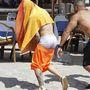 Justin Bieber is a művészi önkifejezést példázza segges banán alakban.