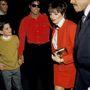 Michael Jackson és James Safechuck 1988-ban, többek közt Liza Minelli társaságában.