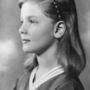 A kép 1934-ben készült, ekkor 10 éves volt Bacall.