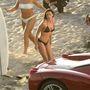 Demi Moore negyvenesen épp 16 éves testét mutogatta a Charlie Angyalai második részének forgatásán.