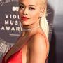 Jó, elég a cukiból: azok ott Rita Ora mellbimbói