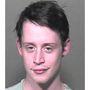 2004-ben, 24 évesen letartóztatták, mivel marihuánát és nagy mennyiségű Xanaxot is találtak nála a hatóságok.