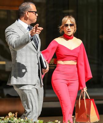 Velvet – Nincs mese, Jennifer Lopez kapcsolatban van – Galéria Jennifer Lopez And Alex Rodriguez
