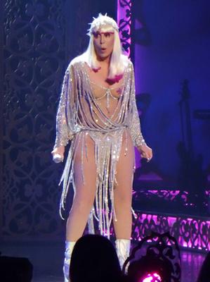 Cher 72 éves.