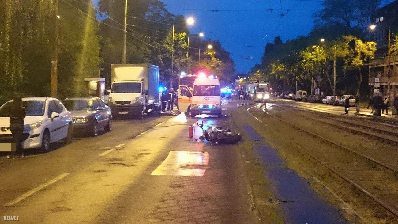 Motoros ütközött kisteherautóval a Fehérvári úton.