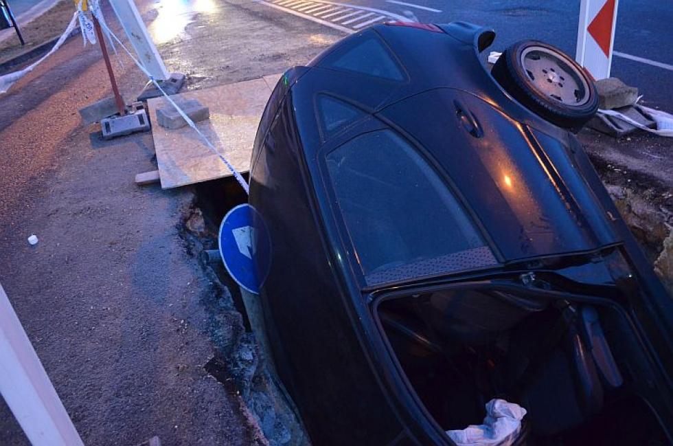 A rendőrök a baleset után szondát fújattak a sofőrrel, ami elszíneződött.