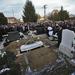 Több mint ezer ember gyűlt össze a sírnál