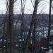 Sandy Hook a közeli erdő felől.