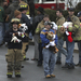 Plüssállatokat hoztak a jótékony tűzoltók.