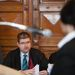 Az ügyész keresztkérdéseket tett fel