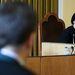 A bírónő faggatja a tanút