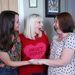 A három nővér, középen Katy Slade, jobbra a nővére, Jamie, balra a húguk, Lucy