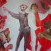 Élénkek a szovjet korban felfestett falfestmények is.