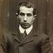 A 25 éves Norman Stanleyt azért tartóztatták le 1903-ban, mert ellopott egy biciklit.