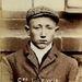 A kép 1903-ban készült a 17 éves George Lewisról, akit azért tartóztattak le, mert dokkmunkásként egy lezárt területre tévedt.