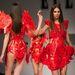 Király Tamás utolsó divatbemutatója az ELLE Fashion Shown március 23-án. Pár nappal nappal később otthonában agyonverték a divattervezőt. 60 évet élt.