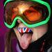 A bolondozásból a sportolók is kiveszik a részüket: Katie Summerhayes brit szabadstílusú síző fogvédője.