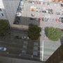 Az aggodalom jogos, többen is megtették - az '50-es, '60-as években a szálloda népszerű öngyilkossági helyszín volt, a hetedik emelettől fölfelé.