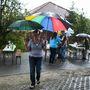 Idén volt először eső az utcabál alatt, a vihar érkezését mindenki kellően pozitív attitűddel kezelte