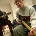 Fizikai és értelmi fogyatékkal rendelkezők is tagjai az együttesnek.