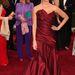 Penélope Cruz egy szép, de nem túl különleges Donna Karan ruhában.