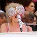 Lady Gaga egyik extrém szemüvege: vagy inkább kristályokkal kirakott tésztaszűrő?