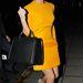Victoria Beckham kedveli a színeket, az egyszerű szabású ruhákat és a drága luxustáskákat.