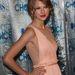 Taylor Swift oldalról