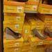 Deichmann: szalmatalpú szatén körömcipő 5.990 forintért. Baráti ár, szép cipő.