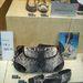 Tavaszi trend a kígyóminta: táska, hozzáillő cipő, 150.000 forint.