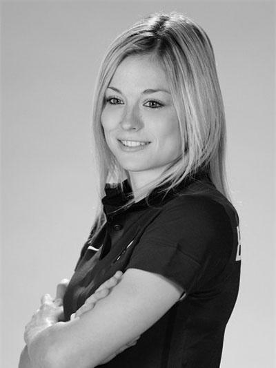 Védőt játszik a francia válogatottban Laura Boulleau. Csak nemrég került a kezdő tizenegybe, de máris hatalmas rajongótábora van. Egyébként pedig a Nike modellje az egyik kampányában.