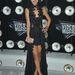Selena Gomez felnőtt nőnek öltözött.