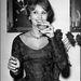 Sophia Loren, alkalmi ruhában
