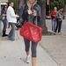 Ashley Tisdale edzeni megy - Chanel táskával