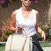 Jennifer Love Hewitt edzeni megy - Louis Vuitton táskával