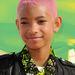 Igen, Willow Smithnek egycentis és rózsaszín a haja