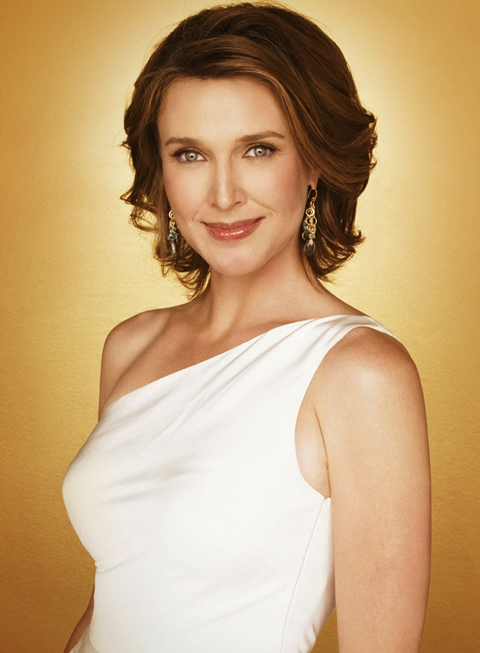 Brenda Strong, aki Mary Alice Youngot alakítja