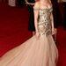 Scarlett Johansson a Dolce & Gabbana reklámarca, így nem meglepő, hogy a tervezőpáros egyik ruhájában érkezett