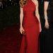 Hilary Swank Michael Kors egyik ruháját viselte, akárcsak Jessica Alba